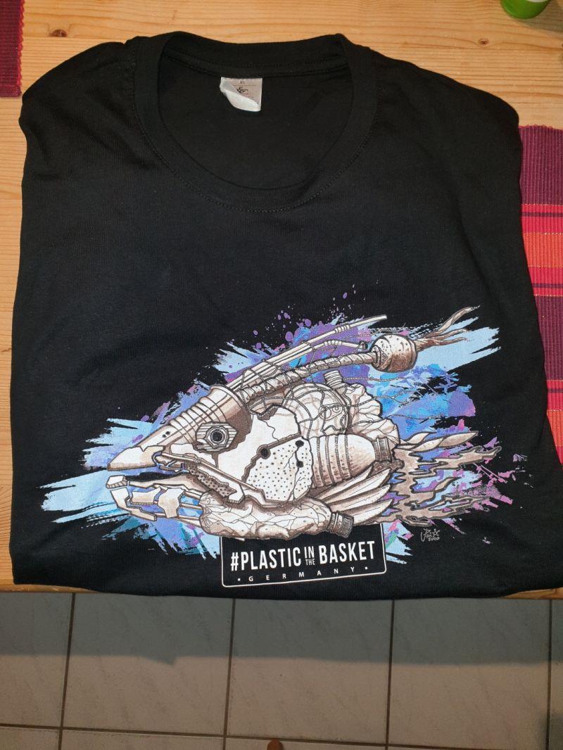 Das neue Shirt von https://plasticinthebasket.de/